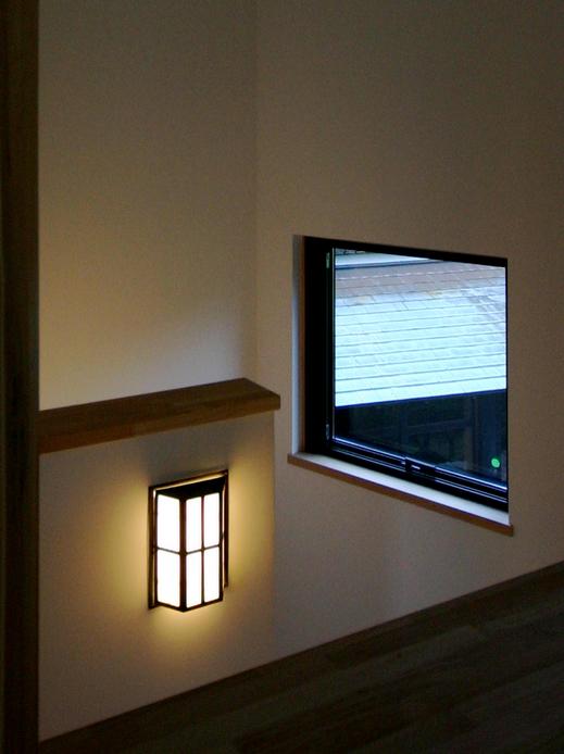 10_lamp.jpg
