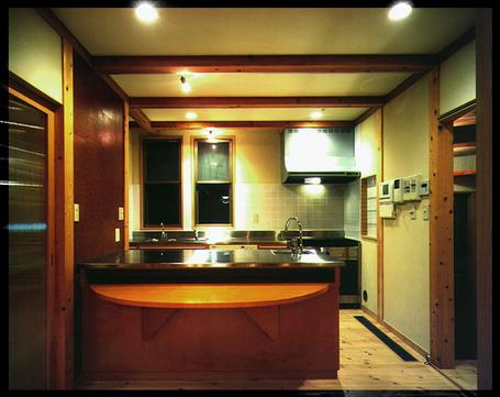kokusaimura_kitchen.jpg